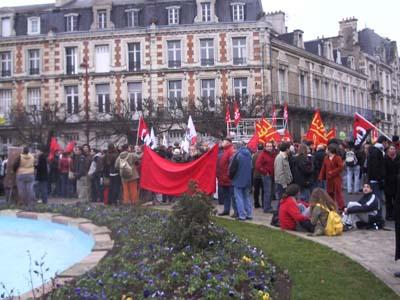 Première manifestation national le 7 février 2006