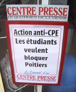 Une du journal Centre Presse le 7 mars 2006 (photo Jules Aimé)