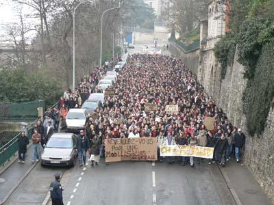 Première manifestation après le blocus des facs, 50 jours plus tôt, le 14 février 2006.