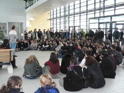 Présentation du mouvement au SP2MI, faculté non bloquée de l'Université
